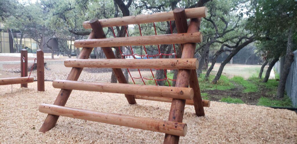 Climbing net log style